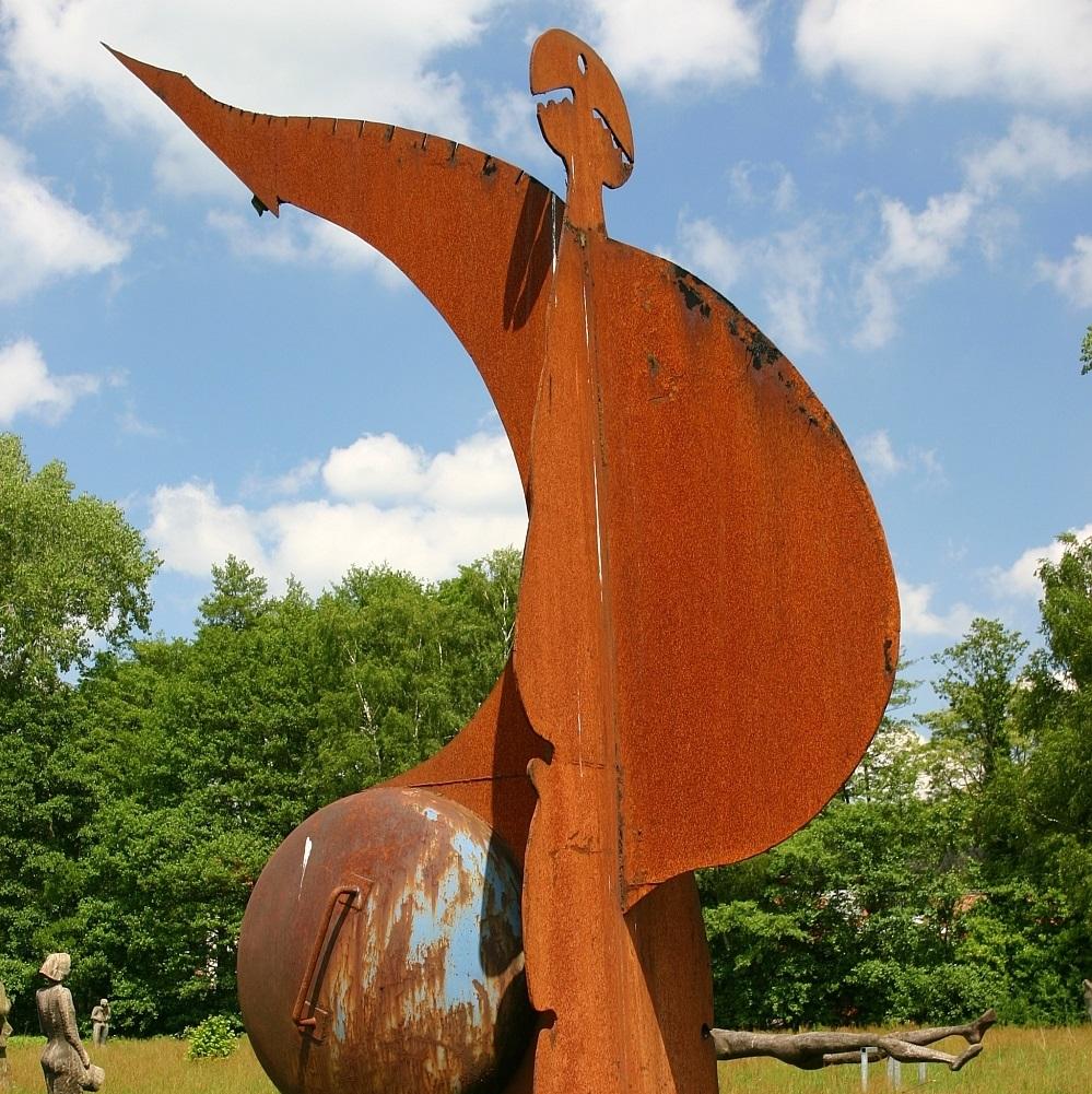Das Skulpturenufer in Hude. Foto: Jensen-Gentsch, Gemeinde Hude