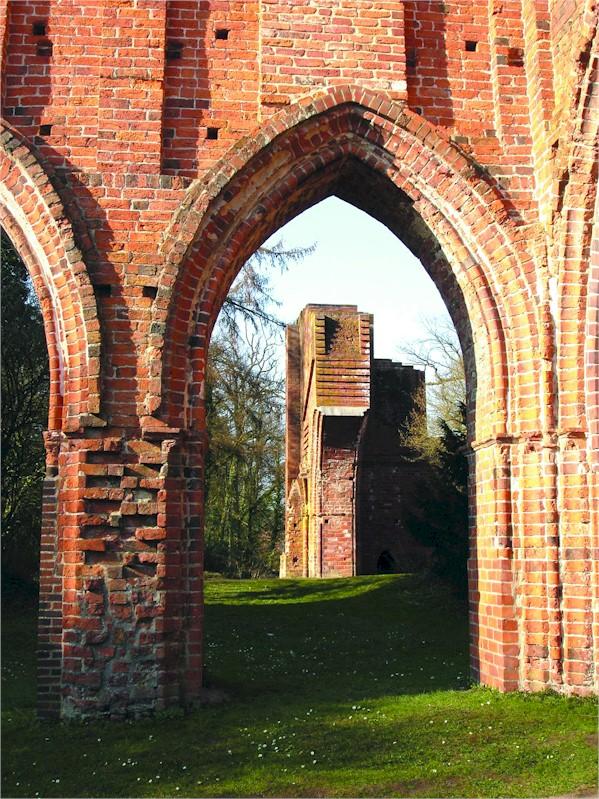 Naturpark Wildeshauser Geest: Klosterruine Hude